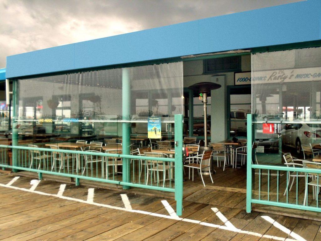 Ветроупорни завеси за ресторанти и заведения
